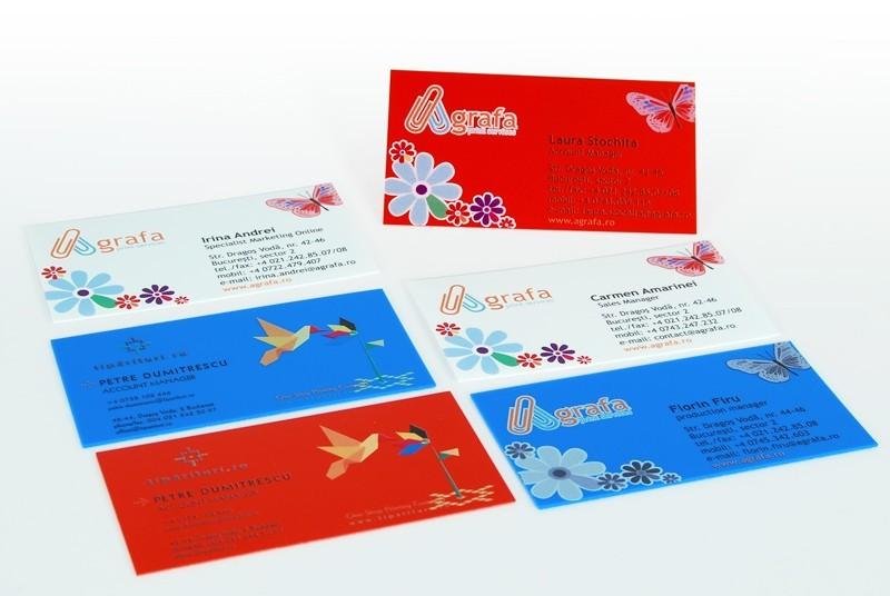 Carti de vizita plastic colorat